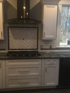 Subway Backsplash Herringbone Medallion